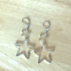 Jewelry - VINTAGE Silver Colored Star-Shaped Dangle Earrings